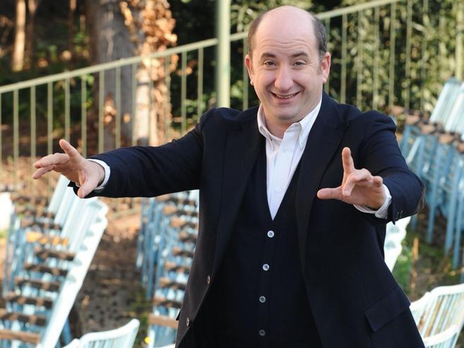 Albanese, dalla fabbrica a Zelig: «Con il brodo alla griglia prendo in giro gli chef»