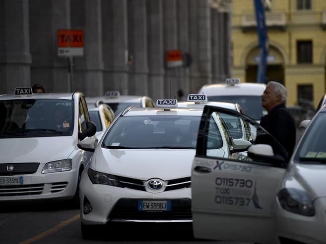 Taxi, confermato lo sciopero: oggi stop dalle 8 alle 22