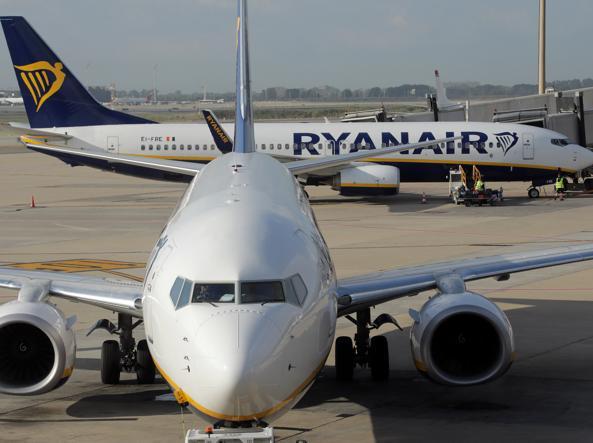 Alitalia, Calenda: offerta di Lufthansa va migliorata