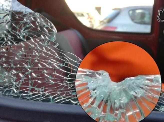 Torino, lite per un sorpassoex vigilante spara ad automobilista