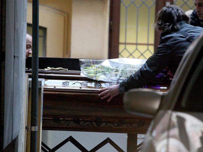Riina, la salma del boss arrivata a Corleone per la sepoltura FotoStorie e volti delle vittime