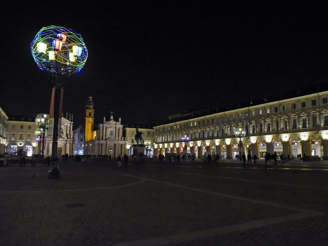 L'orgoglio del passato e l'ansia per il futuro:  il Corriere nella Torino dai due volti  Da venerdì  è in edicola Video