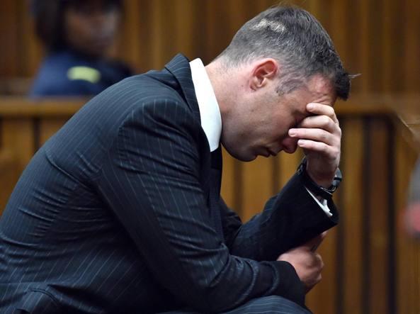 Atletica, Pistorius, pena raddoppiata. In carcere 13 anni