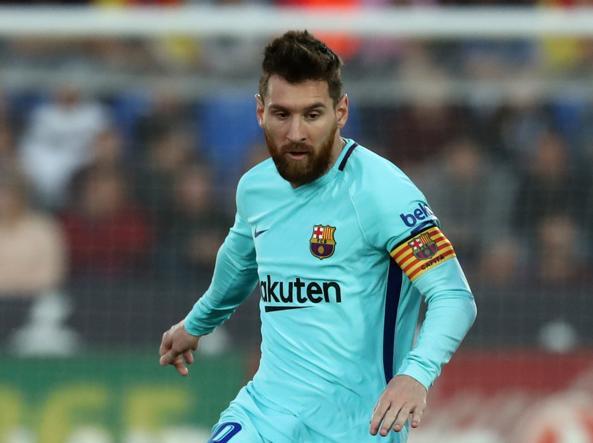 Messi premiato con la Scarpa d'Oro FOTO