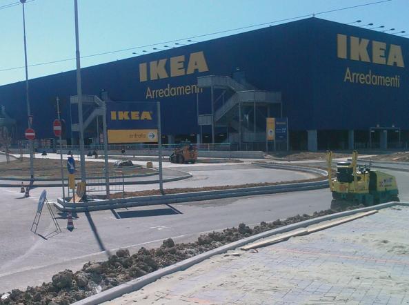 Ikea licenzia mamma di un disabile per aver ritardato due volte
