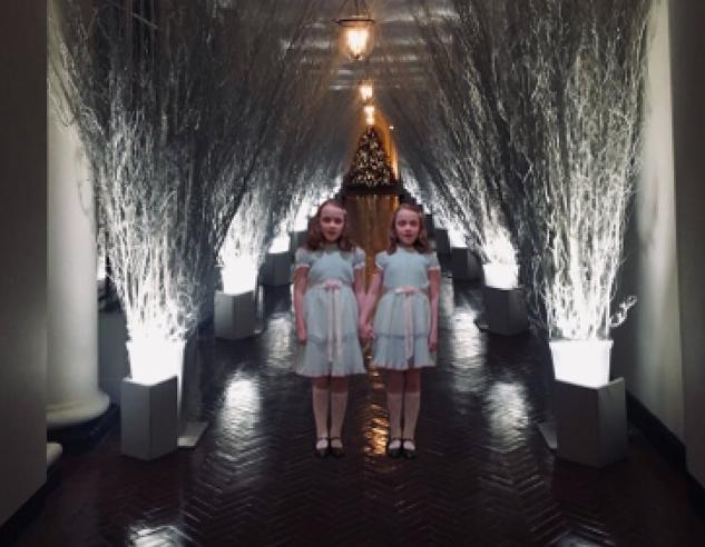 Usa, Melania Trump svela la decorazioni natalizie alla Casa Bianca e la Rete si scatena: «Come in un film horror»