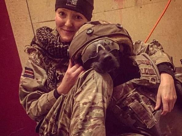 Uno scatto di Kevin quando era in missione in Afghanistan (Facebook)