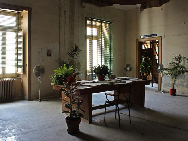 armani casa fuhrender mobel designer, notícias dos principais jornais nacionais e internacionais num só, Design ideen
