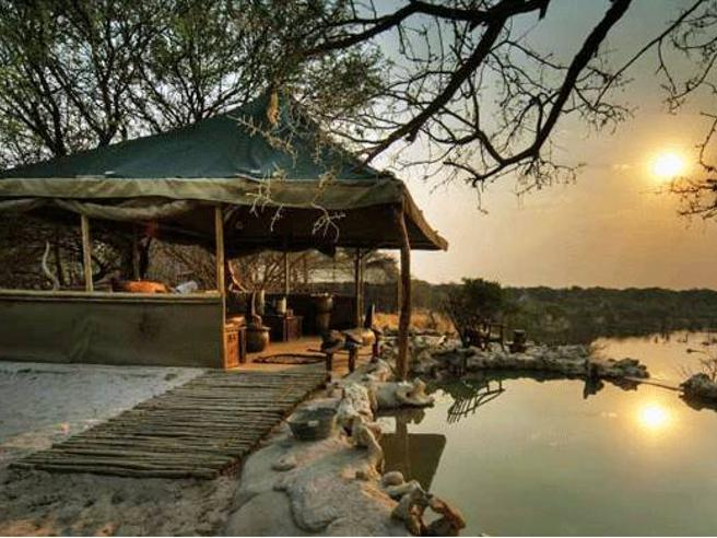 Harry-Meghan in tenda sotto le stelle Ecco dov'è nato l'amore (in Botswana)