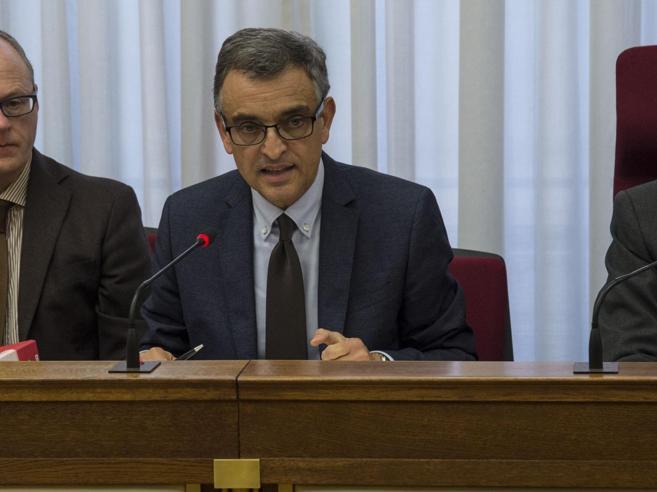 Banca Etruria, nuove indagini sul padre di Boschi. Bufera sul procuratore di Arezzo