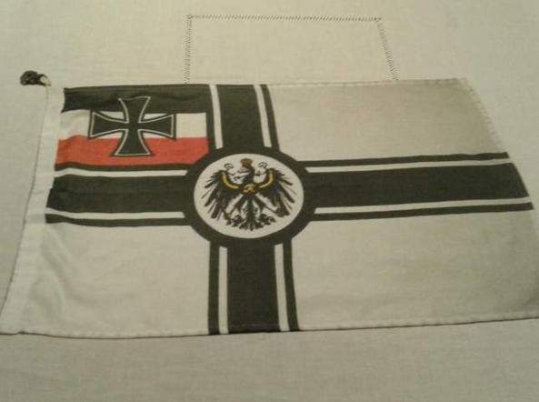 Carabinieri Toscana, spunta una bandiera neonazista in caserma