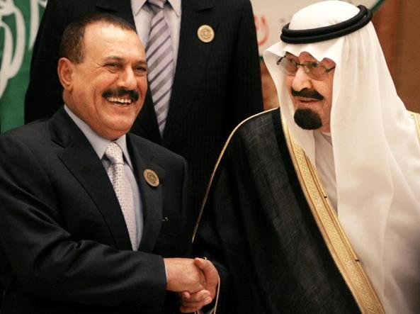 Yemen. Guerra nella capitale, gli houthi uccidono l'ex presidente Saleh, loro leader