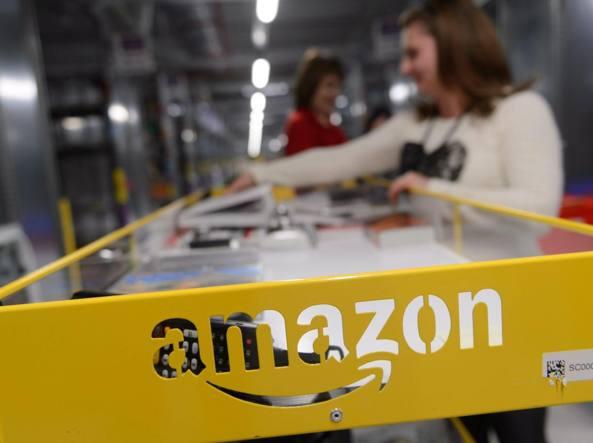 "Agcom diffida Amazon: svolge servizio postale"""