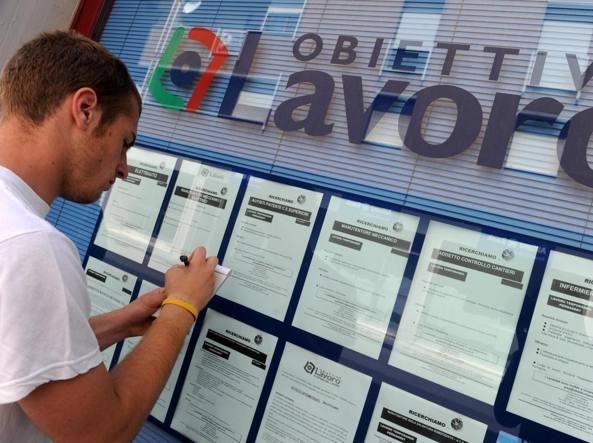 Istat, record di occupati a termine: sono 2,8 milioni