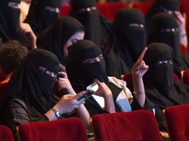 Arabia Saudita, riaprono i cinema dopo 35 anni: «Svolta culturale»
