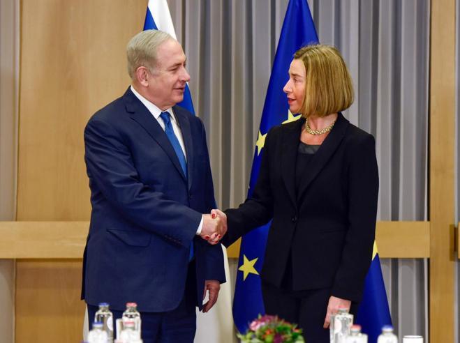 La linea Ue su Gerusalemme: «È anche palestinese» VideoAmos Oz: «Temo i fanatici»