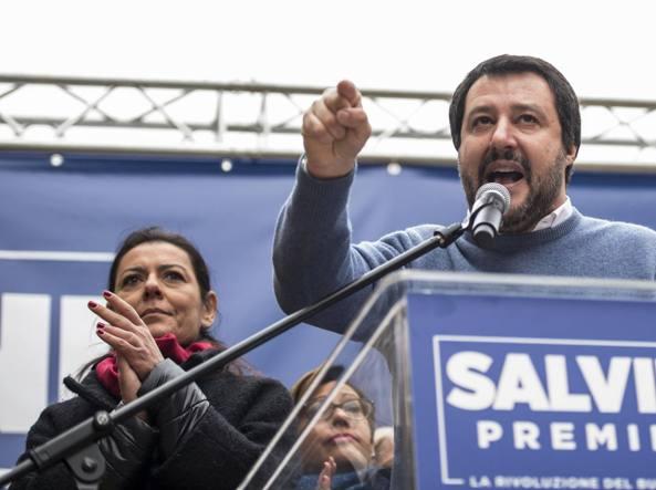 Elezioni 2018 Centrodestra, Berlusconi affossa la legge di Salvini. Caos