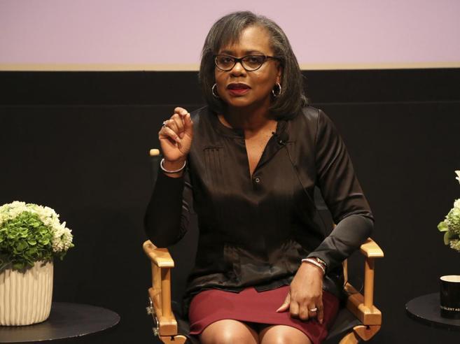 Hollywood, la «paladina» Anita Hill guiderà una commissione anti-molestie