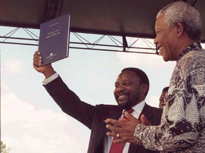 L'ex sindacalista contro  Zuma: in gioco l'eredità di Mandela