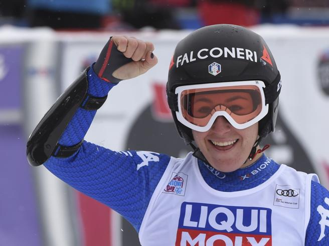 Lindsey Vonn vince il Super G in Val d'Isere, seconda Sofia Goggia