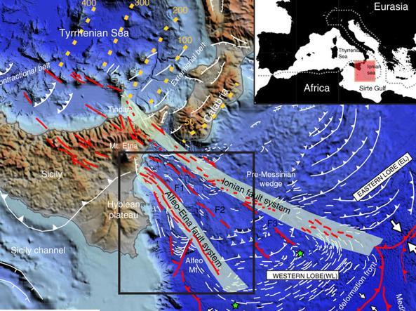 Terremoti, sotto lo Ionio spaccature che allontanano la Calabria dalla Sicilia