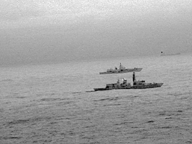 Nave da guerra  russa in acque britanniche. Nato: «Tensioni a livelli da guerra fredda»