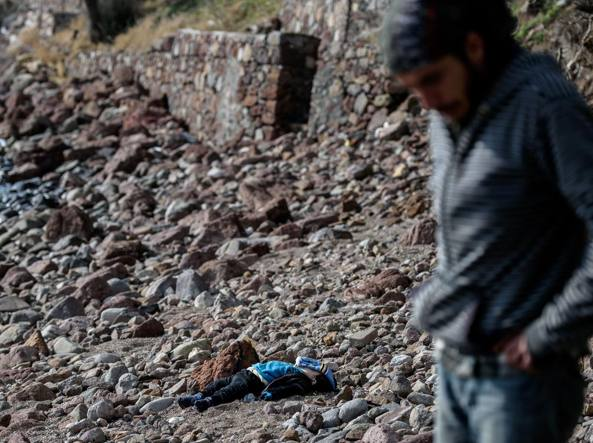 Afghanistan: attentato suicida a Kabul, 40 morti. ISIS rivendica