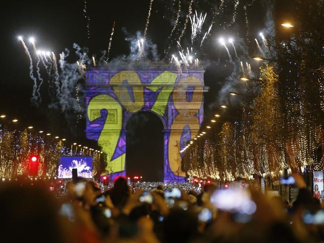 Ecco il 2018, la festa nel mondo Le immagini: guarda|Video