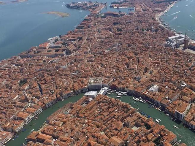 Venezia, viaggio nelle stanze dove secoli fa i marinai stranieri trascorrevano la quarantena