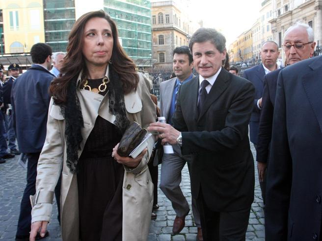 Isabella Rauti: «Mi separo, di nuovo, da Alemanno. Io con Meloni, lui con Salvini»
