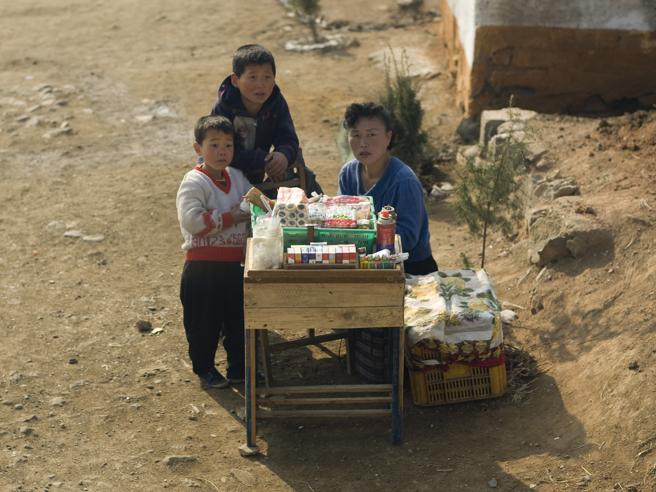 La Corea del Nord che le foto ufficiali non mostreranno mai: viaggio nella Pyongyang mai svelata