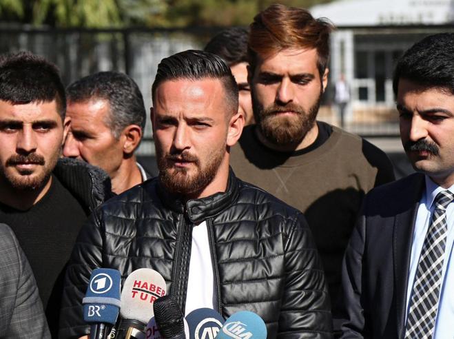 Spari controil calciatore turco che criticò Erdogan