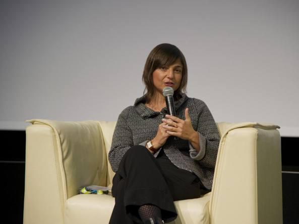 Debora Serracchiani invia un galateo ai sindaci del Friuli