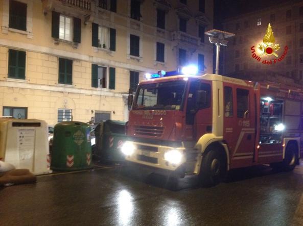 Genova, crolla controsoffitto di un centro d'accoglienza: 7 migranti feriti