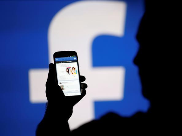 L'algoritmo di Facebook cambia ancora, priorità ai post di amici e familiari