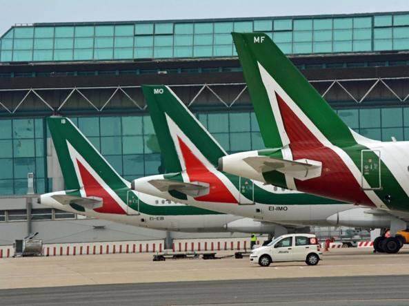 Acquisizione Alitalia: la Lufthansa chiede l'eliminazione di 2mila esuberi
