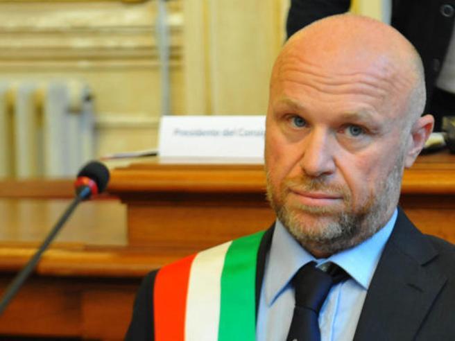 Alluvione a Livorno:il sindaco Nogarin indagato per concorsoin omicidio colposo