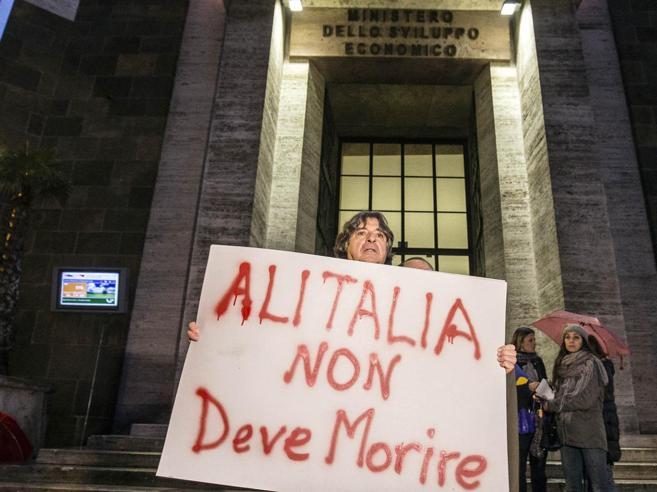 Alitalia, più tempo per il partnerIl governo: serve un'offerta solida