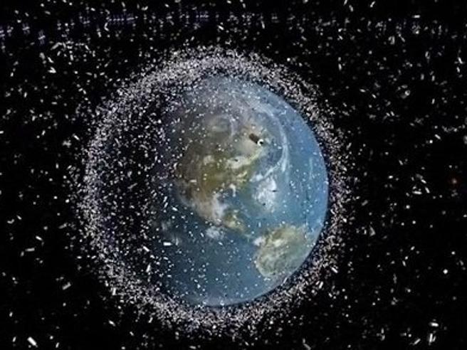 Lo spazzino cosmico che puliscei detriti dall'orbita della Terra