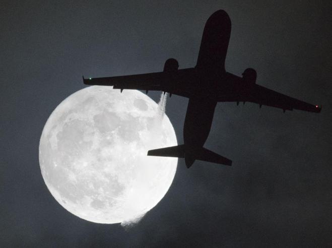 Stanotte termina il mese lunare più lungo del secolo