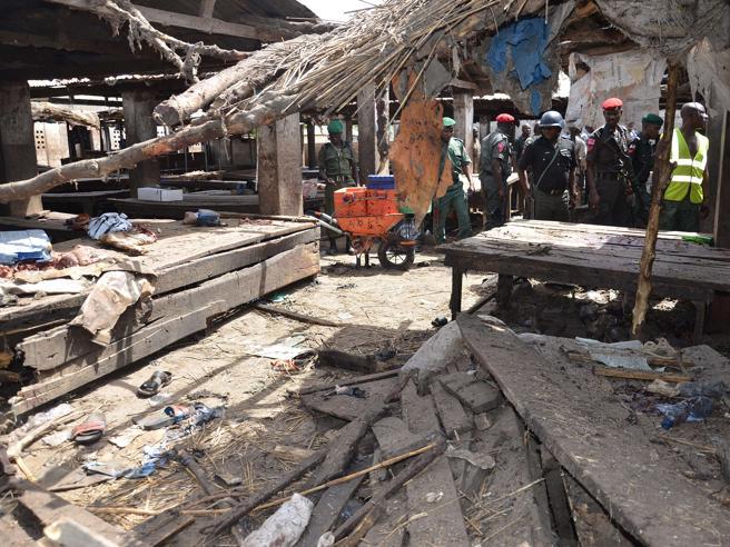 Nigeria, doppio attentato kamikazeSono almeno 12 le vittime