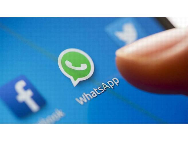 Anche WhatsApp contro le fake news: arriva  la notifica anti-spam