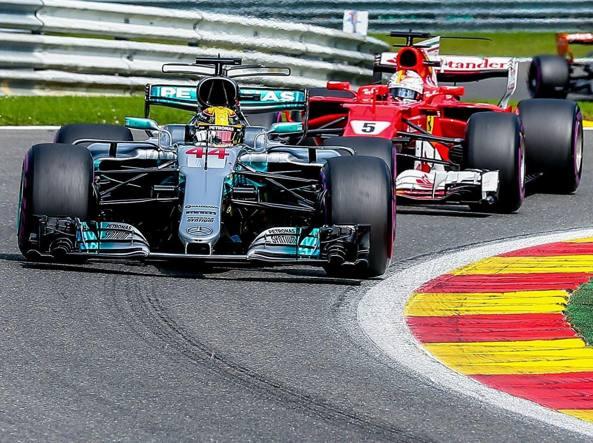 F1, Mercedes svela la nuova macchina lo stesso giorno della Ferrari