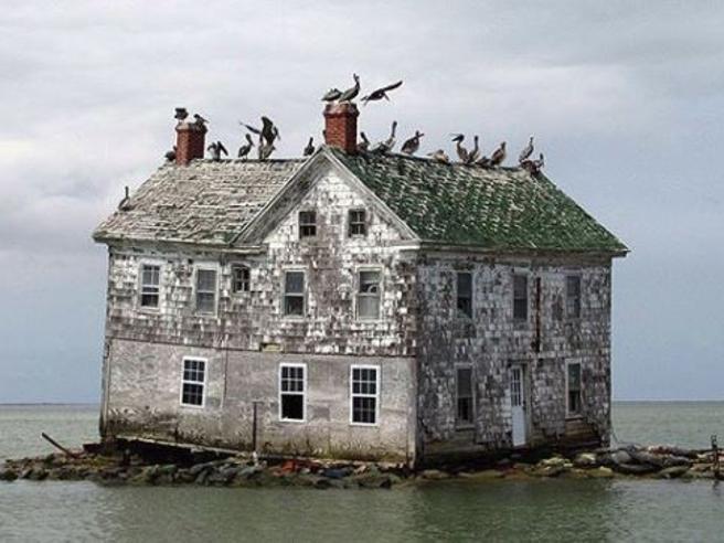 Il Boeing, l'ultima casa sull'isola: il fascino spettrale dei luoghi abbandonati