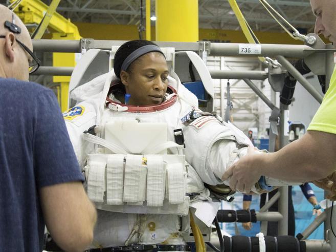 Nasa esclude astronauta afro-americana da missione spaziale