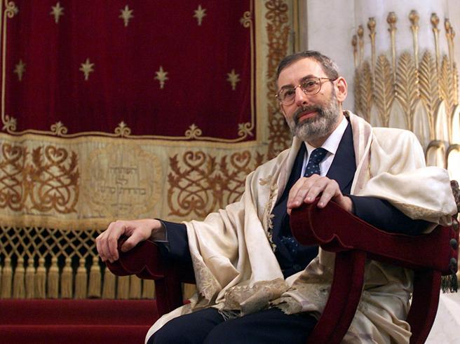 Di Segni: «Migrazione fuori controllo. Vittorio Emanuele III? Meglio dove stava prima»