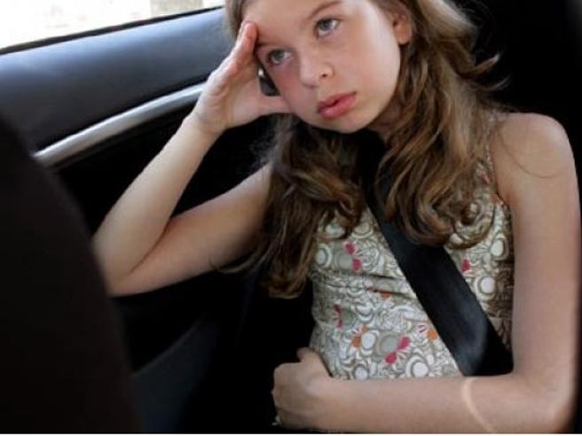 «Mal d'auto»: i rimedi per evitare la nausea