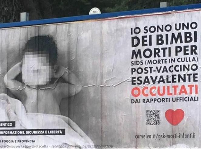 «Io,  bimbo morto per i vaccini»:a Foggia i manifesti dei  No vax