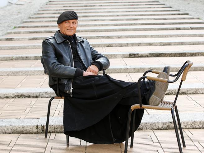 Miracolo don Matteo: politici tutti da Vespa il giovedì per sfruttare il traino
