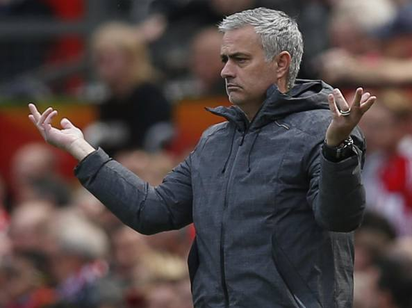 Calciomercato Manchester United, Mourinho rinnova fino al 2020